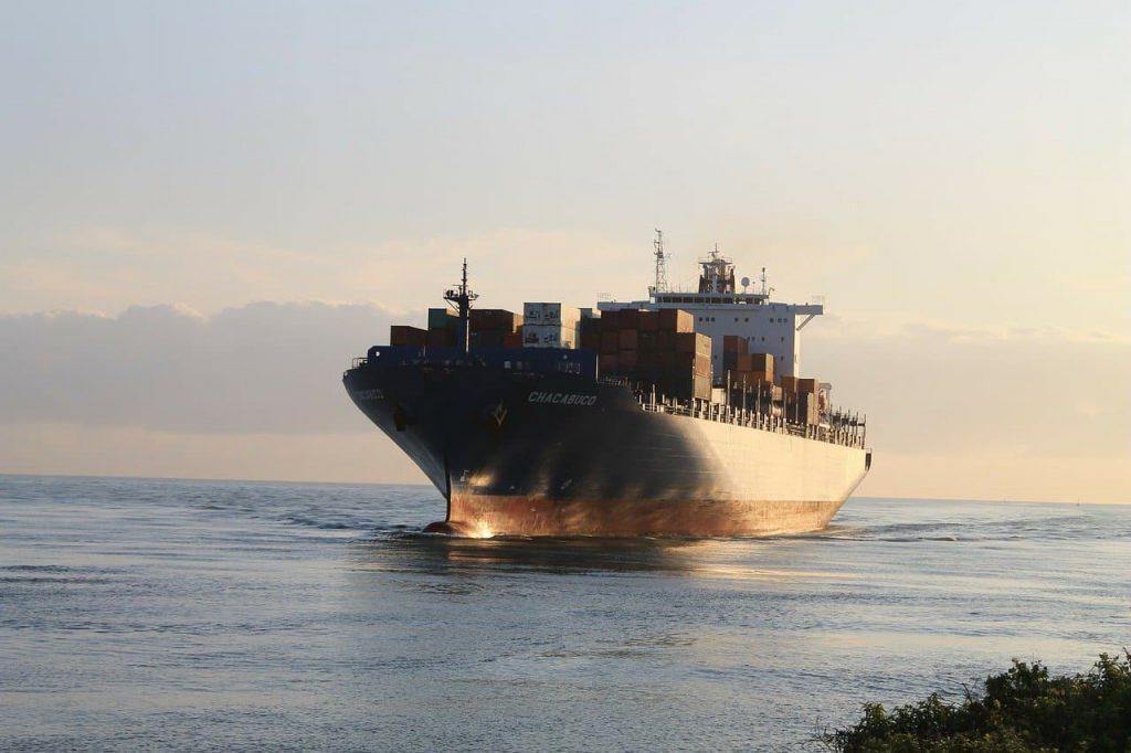 Towar z Chin – statkiem, samolotem czy pociągiem