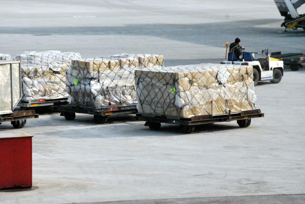 Jak wyglądają palety i kontenery lotnicze